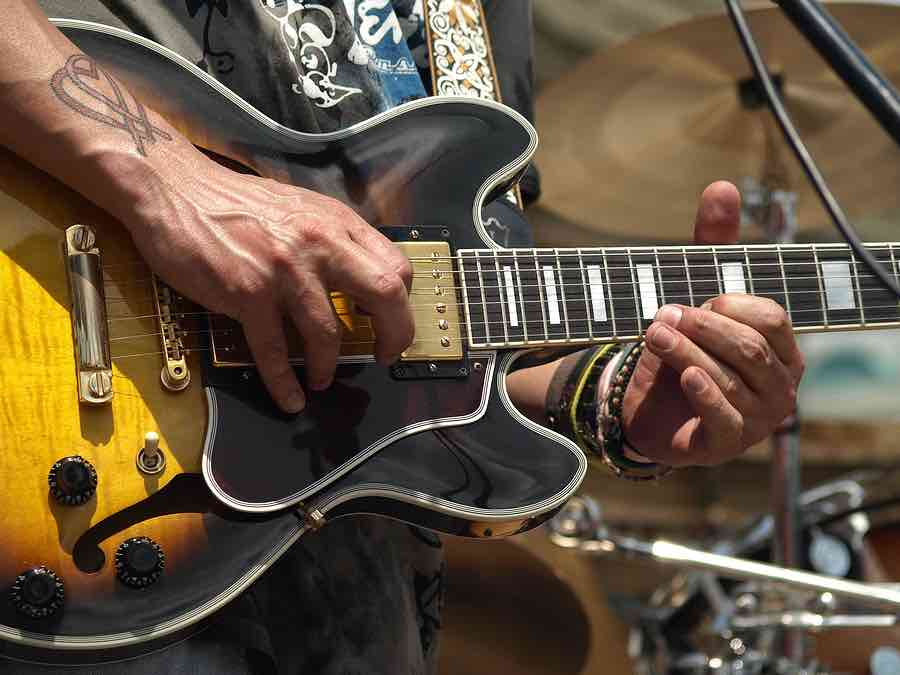 How To Play And Apply The Dorian Scale Guitarhabits