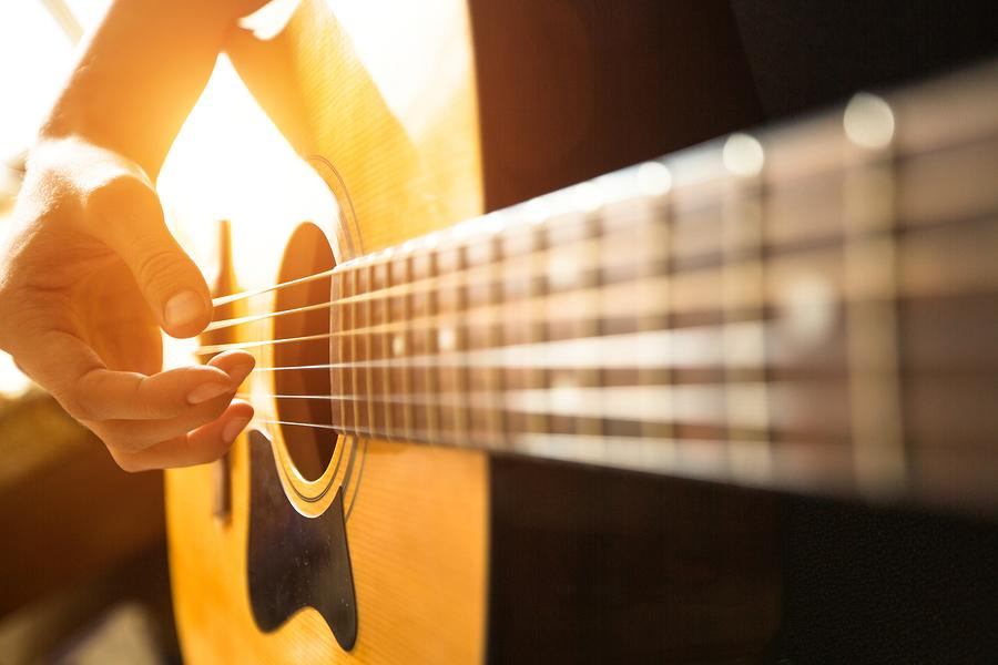 12 Ways to Keep You Focused at Practicing Guitar ...